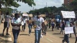 """""""Revús do centro"""" plaineam manifestação em Luanda – 1:10"""