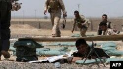 نیروهای کرد عراقی در شهرستان بشیر، در جنوب کرکوک، در حال استحکام مواضع خود در نبرد با دولت اسلامی (داعش) هستند. ۸ تیر ۱۳۹۳