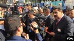 Nicolas Maduro a su llegada a Nueva York. [Foto: Ramón Taylor, VOA].