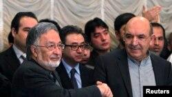 قیوم کرزئی نے آئندہ انتخاب میں سابق وزیرِ خارجہ زلمے رسول کی حمایت کا اعلان کیا ہے