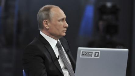 2015年4月16日,俄罗斯总统普京在莫斯科参加面对全国的实况广播,回答听众的问题。