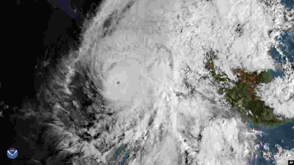 اینبار توفان «ویلا» از سمت اقیانوس آرام به سمت ساحل مکزیک و آمریکا می آید.