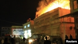 17일 교전으로 인한 다마스쿠스의 화재 현장.