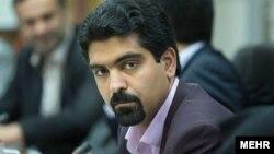 سپنتا نیکنام، عضو زرتشتی شورای شهر یزد