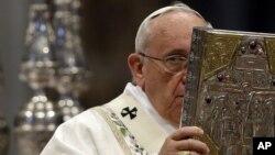 Le pape François au Vatican