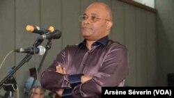 ndré Okombi Salissa, ancien ministre, à Brazzaville. (VOA/Arsène Séverin)