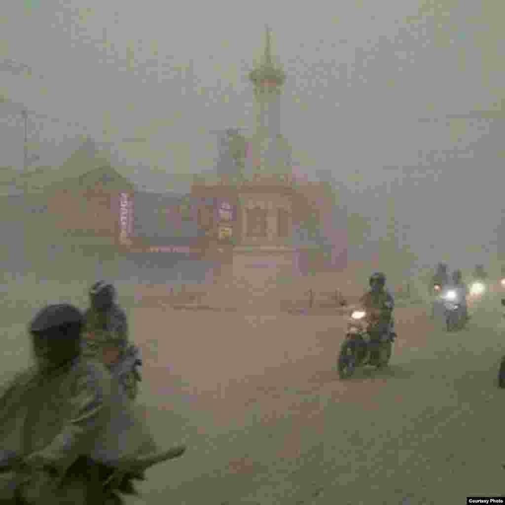 Monumen Tugu, Yogyakarta. Foto kiriman Ki Demang Alldo