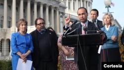 La carta enviada al presidente Obama fue firmada por 29 congresistas con la esperanza que el presidente Barack Obama tome una acción inmediata. [Foto: Cortesía Flickr Luis Gutiérrez].