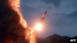 Архив: пуск северокорейской ракеты