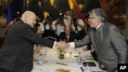 El secretario general de la OEA viajó hasta Paraguay en julio para reunirse con el presidente Federico Franco y con el depuesto mandatario Fernando Lugo.