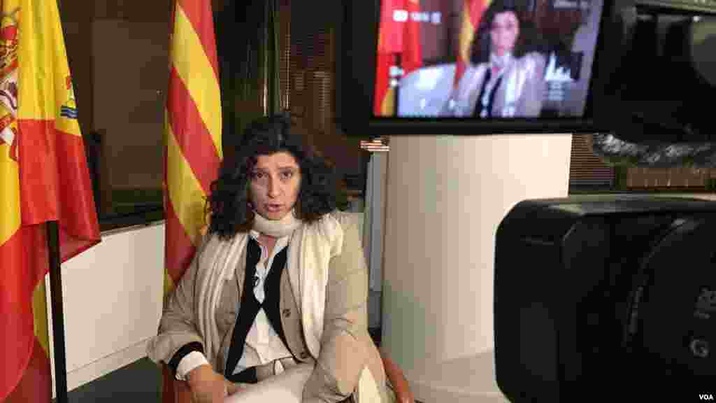 Miriam Tey, vicepresidenta de Sociedad Civil Catalana. Se oponen abiertamente a la independencia de Catalunya.