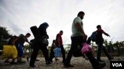 Фотогалерија - бегалци на македонско - грчката граница