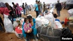 Jiber tisa DAÎŞ gelek hemwelatî ji Kobanê derketin û çûn Sirucê