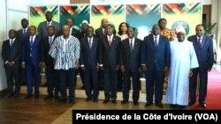 Cérémonie d'ouverture du Sommet extraordinaire des Chefs d'Etat et de Gouvernement de la Communauté Economique des Etats de l'Afrique de l'Ouest (CEDEAO) sur la maladie à virus Ebola et sur la situation au Burkina Faso, ce jeudi 6 novembre 2014, à Accra au Ghana.