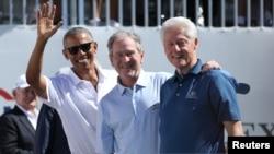 بل کلنٹن، جارج بش اور براک اوباما