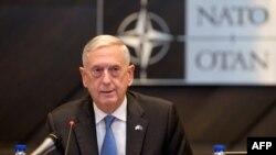 Le secrétaire américain à la Défense Jim Mattis au siège de l'OTAN à Bruxelles le 8 juin 2018. / AFP PHOTO / POOL / Virginia Mayo