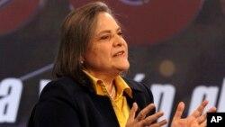 Clara López ha manifestado su apoyo por el presidente Juan Manuel Santos.