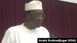 Idriss Deby Itno, président tchadien à N'Djamena, le 19 mars 2018. (VOA/André Kodmadjingar)