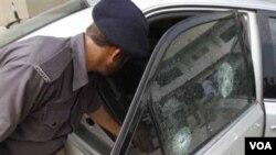 Los asaltantes atacaron un vehículo oficial en la ciudad de Karachi, Pakistán.