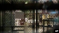 Suasana di dalam penjara Guantanamo, Kuba. (Foto: Dok)