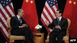 Barak Obama va Xitoy prezidenti Xu Tsintao, Seul, 11-noyabr, 2010-yil