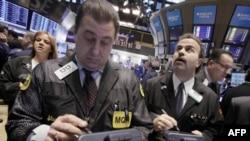 Торговый дефицит США в декабре вырос почти на 4%