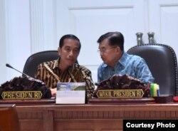 Presiden Joko Widodo dan Wapres Jusuf Kalla saat memimpin Sidang Kabinet Paripurna, RKP dan Kebijakan Ekonomi di Kantor Presiden, Rabu (6/3) (Foto: Biro Pers Sepres RI).