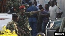 Cựu Bộ trưởng Quốc phòng Cyrille Ndayirukiye chỉ đạo vụ đảo chính tại thủ đô Bujumbura hôm 13/5.