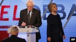 Sanders y Clinton señalaron las enormes diferencias con la visión intolerante en el tema inmigratorio del candidato republicano Donald Trump.