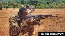 Un groupe armé accuse Bangui de violer l'accord de paix