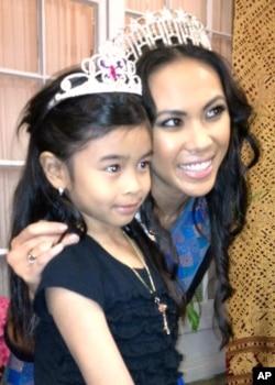 ນາງສາວ ນິຕະຍາ ປານມະໄລທອງ Miss Minnesota USA 2012