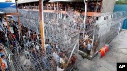 မေလးရွားႏုိင္ငံ ထိန္းသိမ္းေရး စခန္းတခုျမင္ကြင္း (Lenggeng immigration detention center)။
