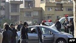 На месте взрыва, в результате которого был убит иранский ученый-ядерщик. Тегеран. 29 ноября 2010 года