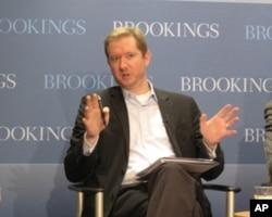经济政策研究所的研究与政策主任约翰.艾恩斯