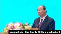 Thủ tướng Nguyễn Xuân Phúc tại một hội nghị hôm 30/12/2019.