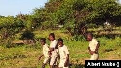 Abafundi besikolo seBethel Primary besiya esikolo bengagqokanga amamask.