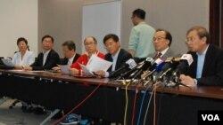 香港真普選聯盟公佈最新民調顯示,三軌制特首提名方案支持度有上升趨勢 (美國之音湯惠芸攝)