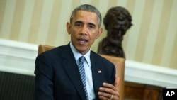 Obama dijo que está tomando medidas para evitar que asesores financieros entreguen malos consejos a sus clientes.