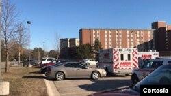 """Los investigadores dijeron que ninguna de las víctimas era estudiante y describieron el tiroteo como una """"situación doméstica familiar"""". [Foto: Cortesía, CMLIfe]."""