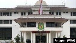 Kantor Wali Kota Medan di Jalan Kapten Maulana Lubis, Medan, Sumatra Utara, Rabu, 16 Oktober 2019. (Foto: VOA/Anugrah Andriansyah)