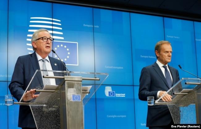Jean-Claude Juncker ve Donald Tusk