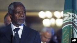 Kofi Annan, the U.N.-Arab League Special Envoy on Syria, attends a news conference with Arab League Secretary-General Nabil Al Araby at the Arab League headquarters in Cairo, March 8, 2012