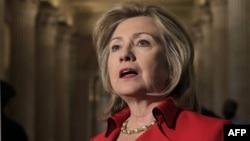 Ngoại trưởng Hoa Kỳ Hillary Clinton phát biểu về vấn đề Ai Cập và các cuộc biểu tình ở Iran sau cuộc họp tại trụ sở Quốc hội Hoa Kỳ với Chủ tịch Hạ viện John Boehner, ngày 14/2/2011