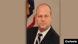 Leon Rodriguez, direktur Dinas Imigrasi dan Kewarganegaraan AS (Foto: dok).