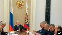 Президент Путін на нараді з питань модернізації озброєнь у Кремлі, 10 вересня 2014 р.