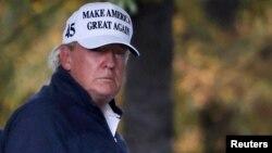 在新聞媒體宣布拜登勝選後現任總統特朗普回到白宮時的情景(路透社2020年11月7日)