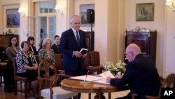 Ông Malcolm Turnbull tuyên thệ nhậm chức Thủ tướng Úc tại Canberra, ngày 15/9/2015.