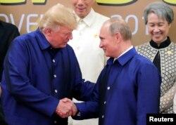 Donald Tramp Vyetnamdagi APEK yig'inida Rossiya rahbari Vladimir Putin bilan ham ko'rishgan