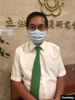 位于台北的台湾联合国协进会理事长涂醒哲 (美国之音记者顾展珑摄)
