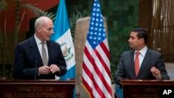 Declaración conjunta de Kelly con el canciller de Guatemala, Carlos Raúl Morales.
